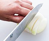 玉ねぎを切る