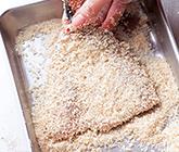 パン粉をつける