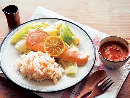 鮭と春キャベツのレモン蒸し&人参ご飯