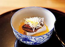 海老芋とあん肝、白味噌の風呂吹き