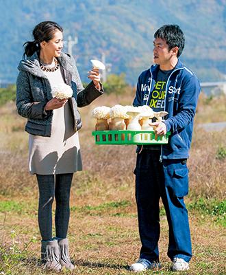 新種のきのこを栽培する生産者、竹内篤史さん