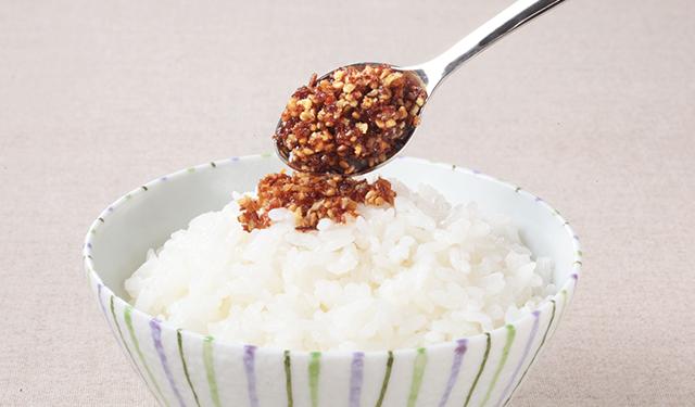 キッコーマンから2月13日新発売 サクサク食感が新しい、食べる醤油