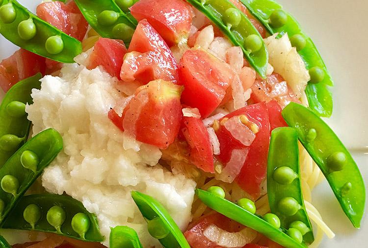 菅原佳己のGOTO GoTo-chi ⑯ 梅雨疲れや・夏バテ対策はサラダでパワーチャージ! 野菜が無限に食べられるご当地ドレッシングの世界♡